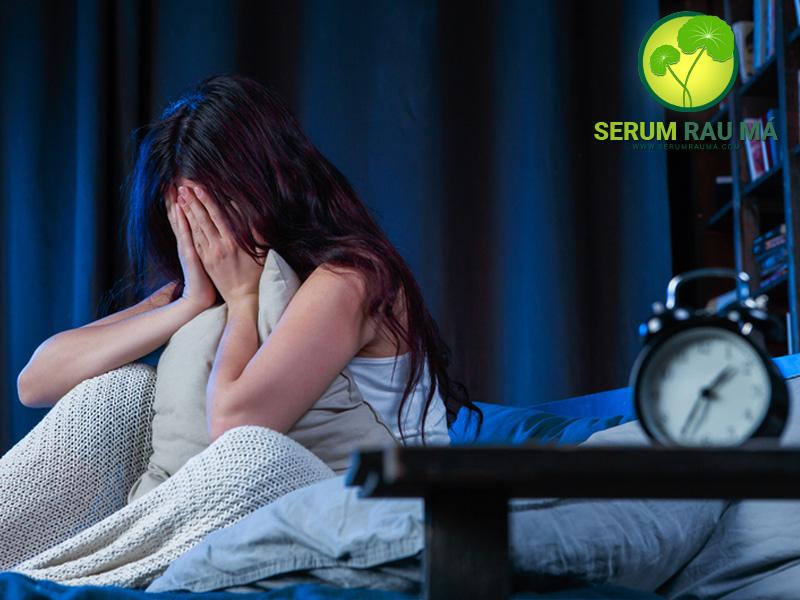 Sử dụng rau má có giảm chứng mất ngủ không?